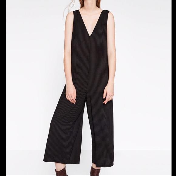 21395fc017c ZARA Black Crop Jumpsuit Size S. M 5a5073d836b9de0a4c02ce59